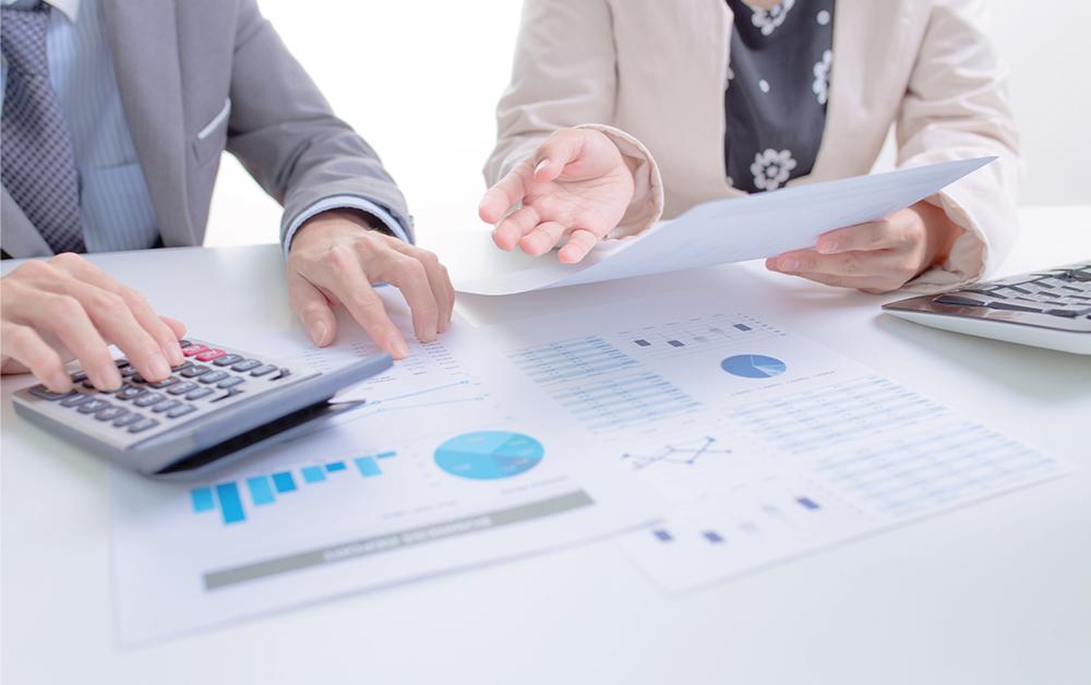 Blog Jurnal By Mekari akan jelaskan tentang transaksi juga siklus akuntansi perusahaan manufaktur disini.