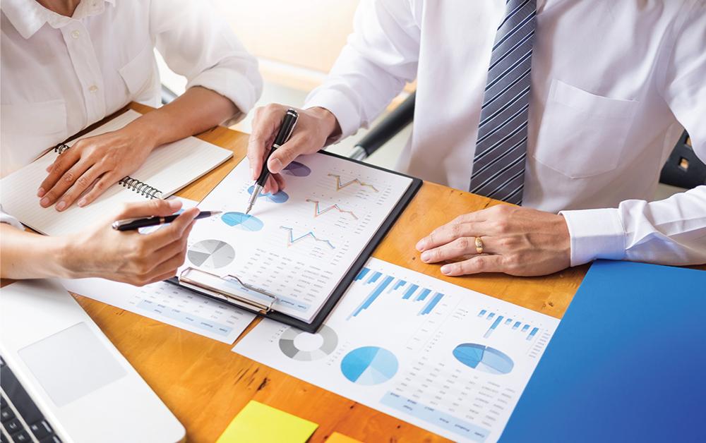 Apa pentingnya Analisa Pasar yang tepat untuk kesuksesan misnis? Melakukan analisis peluang pasar sangat penting karena apa? Blog Jurnal by Mekari akan mengulasnya disini!