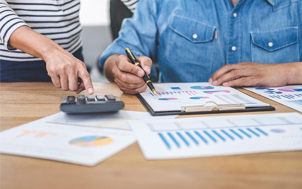 Dalam dunia Manajemen Keuangan, dikenal suatu term bernama Struktur Modal (Capital structure). Apa itu Struktur Modal atau Capital structure adalah? Apa dampak dan hubungannya terhadap bisnis?