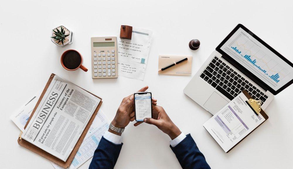 Kenali Peluang & Tantangan Bisnis Di Era Digital Saat Ini - Jurnal